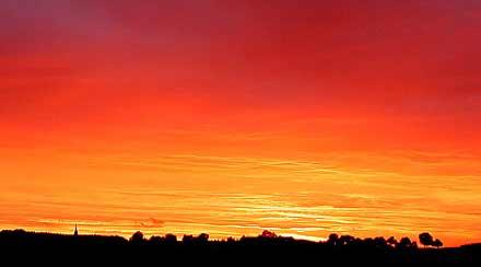 Feuerroter Himmel über Drabenderhöhe