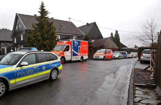Rettungskräfte am Unfallort. Fotos: Christian Melzer