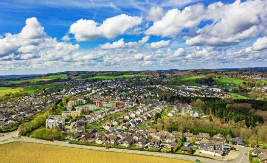 """Drabenderhöhe am 15. April 2018 um 14:00 Uhr. Fotografiert mit einer DJI Mavic Pro aus einer Höhe von 100 Metern. Foto: <a href=""""http://www.melzer.de"""">Günther Melzer</a>"""
