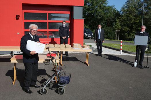 Ehrung für 60 Jahre bei der Feuerwehr: Günter Otto (links)