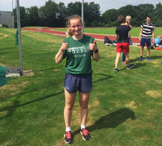 Miriam Koch freut sich sehr über die bestandene Sporteignungsprüfung in Bochum